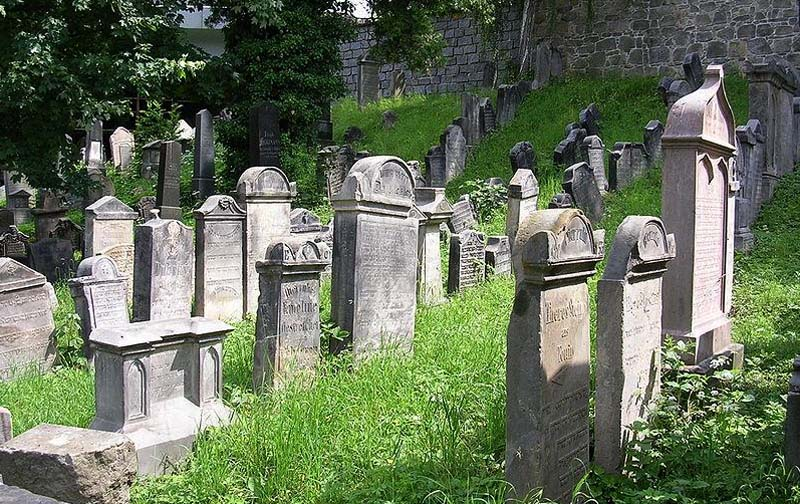 6b - Jewish cemetery - the oldest preserved Jewish burial ground in the world (22 km)